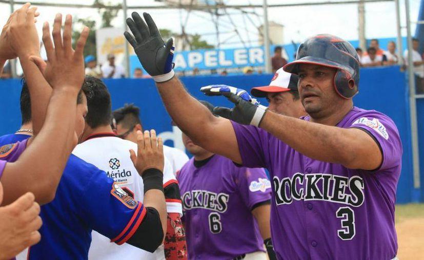 Raúl Sánchez disparó dos cuadrangulares en el Juego de Estrellas. Imagen de la celebración de su triunfo en el partido. (Milenio Novedades)