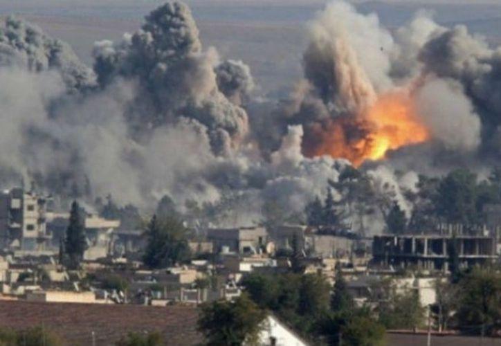 Al menos 42 civiles, entre ellos 19 niños, murieron el en bombardeos de la coalición, dirigida por Estados Unidos, en Raqa. (Contexto/MVS).