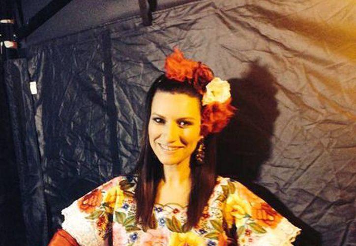 La cantante italiana subió a su red social ésta foto para presumir y afirmó: 'El hermoso México es un país por descubrir. gracias Yucatán'. (Facebook Laura Pausini)