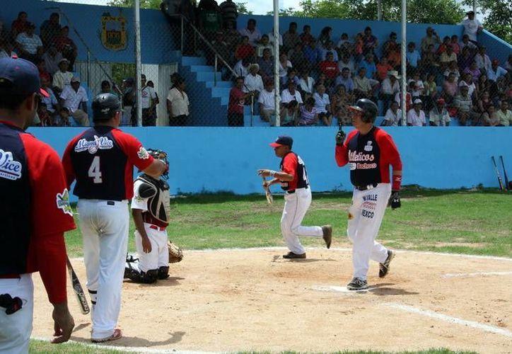 Hoy seguirán las semifinales de la liga Naxón Zapata. (SIPSE)