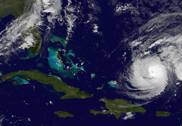 Imagen por satélite del NOAA tomada el 14 de octubre de 2014, que muestra la posición actual del huracán Gonzalo. (Foto: AP/NOAA)