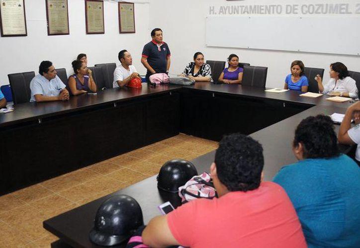 Durante la reunión estuvieron presentes los candidatos. (Redacción/SIPSE)