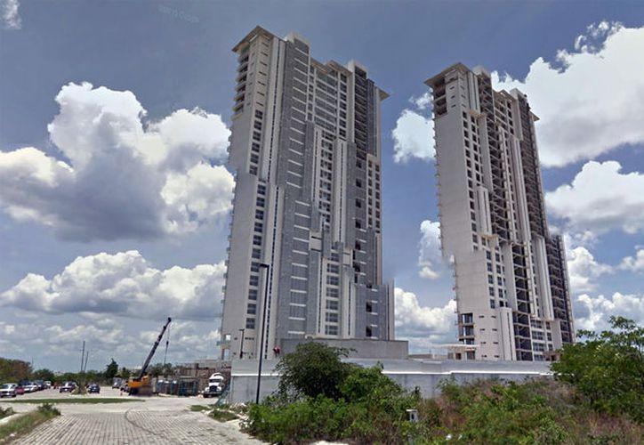 En Mérida, cada vez es más común la construcción de edificios y vivienda vertical. (Google Maps)