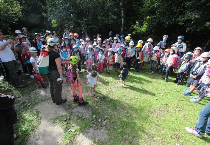 Solo quedan 20 niños, pues prácticamente se han suspendido actividades los sábados. (Gustavo Villegas/ SIPSE)