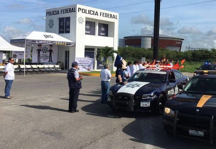 La Policía Federal inició en Yucatán el operativo Vacaciones Verano Seguro 2016, para reducir hasta en 50 por ciento la cifra de accidentes. (Luis Fuente/SIPSE)