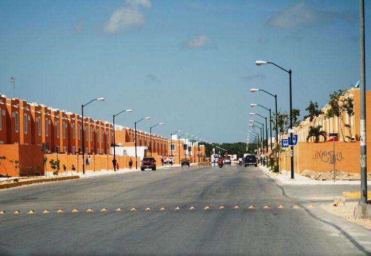 El fraccionamiento Villas del Sol contará con servicio telefónico a partir del próximo año.  (Octavio Martínez/SIPSE)
