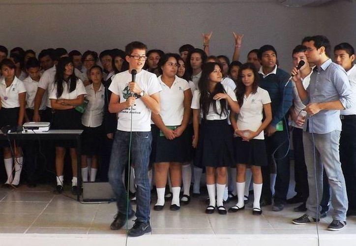 El joven Félix Finkbeiner, famoso por su plan de reforestación global, visitó el municipio de Othón P. Blanco. (Redacción/SIPSE)