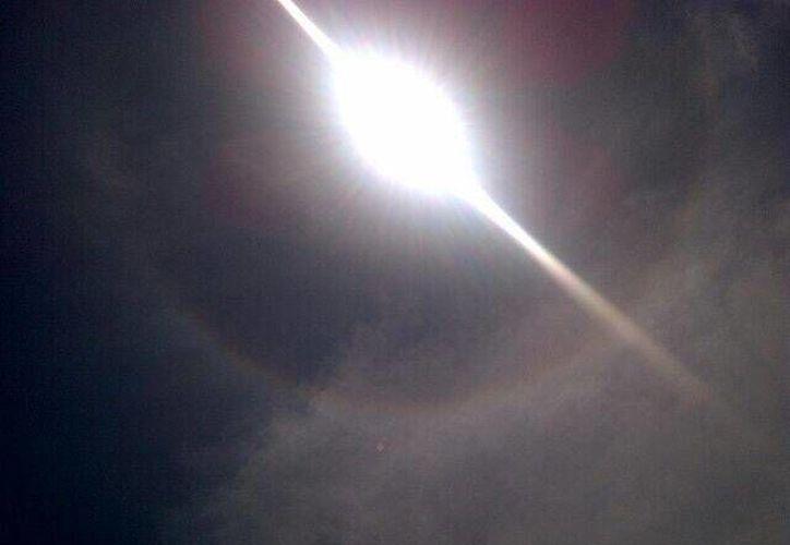 El sol de Cancún mostró un fenómeno natural. (Twitter)