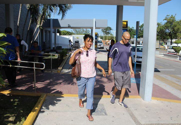 Existen más de 86 mil personas provenientes del extranjero que llegaron desde hace varios años a Quintana Roo. (Joel Zamora/SIPSE)