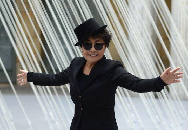 Yoko Ono es una artista japonesa, conocida por ser la segunda esposa de John Lennon, tendrá sus instalaciones de arte pública en la ciudad de Chicago. (AP)