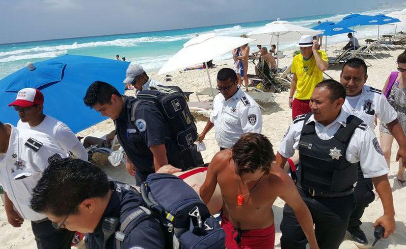 El turista fue trasladado al Hospital General de Cancún. (Foto: Redacción)