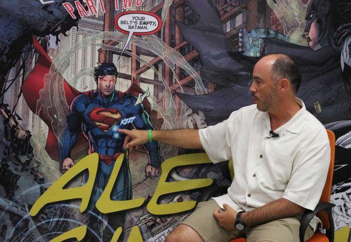 Alex Sinclair ofreció una conferencia sobre su carrera en la casa editorial de cómics DC. (Andrea Aponte/SIPSE)