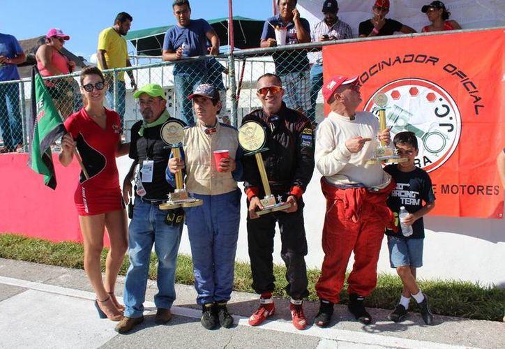 Hugo Bonilla se llevó los máximos honores en el campeonato. (Raúl Caballero/SIPSE)