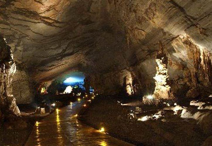 Las Grutas de Cacahuamilpa alberga uno de los más sorprendentes sistemas de cuevas y formaciones calcáreas de la República Mexicana, consideradas las más espectaculares del país y ampliamente visitadas durante todo el año. (Contexto/Internet)