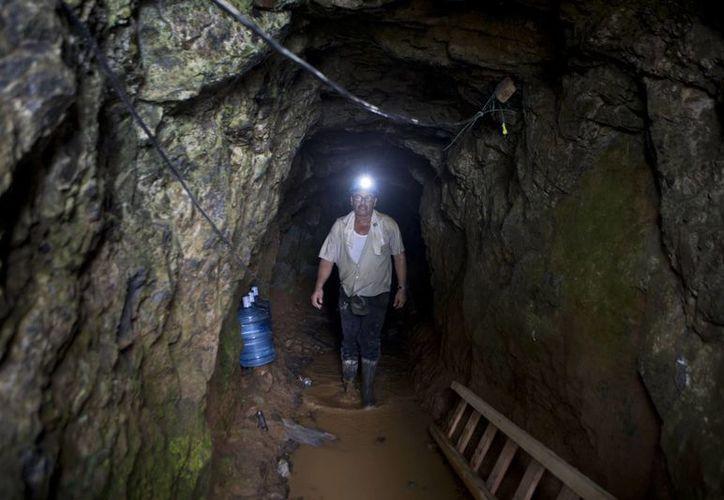 Los gobiernos de Venezuela, México y Chile estaban por intervenir para rescatar a los mineros tras un derrumbe en Nicaragua pero su viaje fue suspendido al enterarse de que la mayoría de ellos habían sido salvados. (Foto: AP)