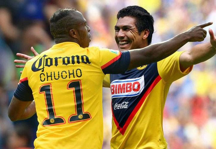 Christian Benítez y Salvador Cabañas fueron de los futbolistas más votados por la afición azulcrema para ser reconocidos por el club.(Club América)
