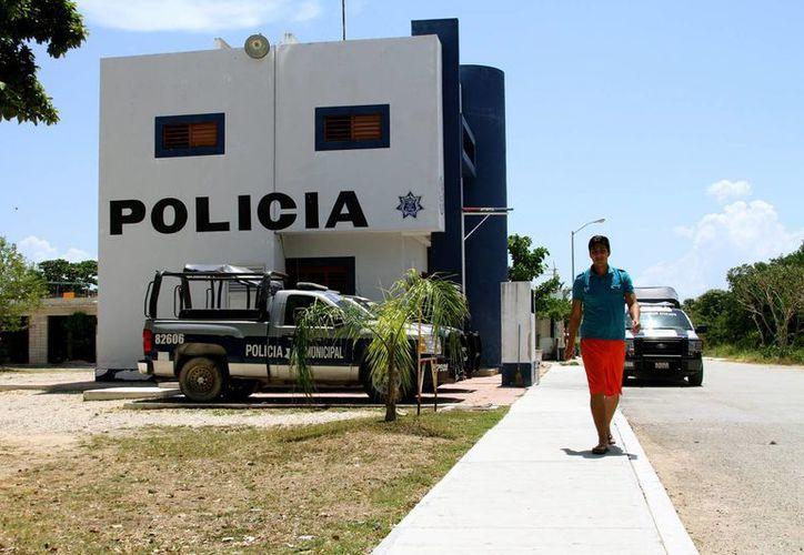La solicitud de los locatarios a la Policía es que, sin descuidar sus obligaciones en otras zonas, manden un vigilante al Mercadito. (Adrián Monroy/SIPSE)