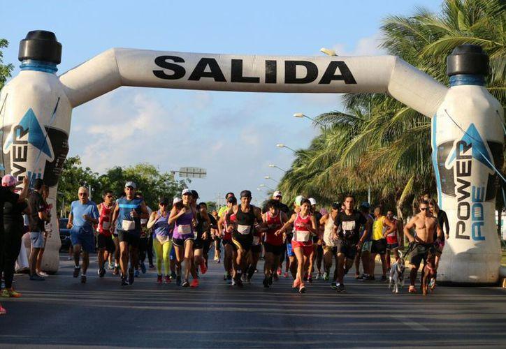 Fue una carrera 100% recreativa, los competidores llevaron a sus familias para así juntos correr por la noble causa. (Foto: Raúl Caballero/SIPSE).
