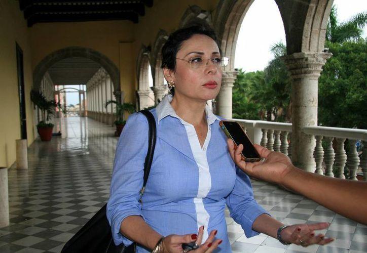 La síndico municipal de Mérida, Lizbeth Estrada Osorio, explicó que con base en el Reglamento de Entrega-Recepción el día 28 de agosto todas las áreas deben tener listos sus expedientes. (SIPSE)