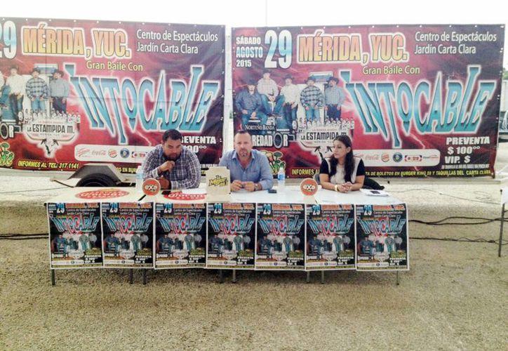 Los organizadores del evento presentaron en rueda de prensa los pormenores del concierto. (Milenio Novedades)