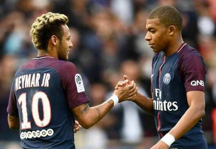 PSG obtuvo los fichajes de Neymar y Mbappé por un total de más de 400 millones de euros. (AFP)