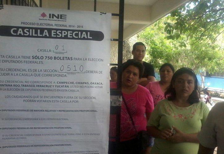 Imagen de la casilla especial que se encuentra en la UPN de Mérida. (Coral Díaz/SIPSE)