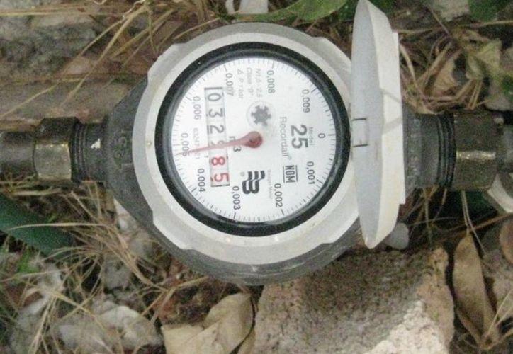 Prevén colocar micro medidores para que no se desperdicie el líquido vital. (Carlos Yabur/SIPSE)
