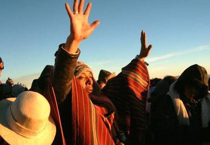 El Año Nuevo andino está asociado al ciclo agrícola que marca el inicio de roturar y preparar la tierra para la nueva siembra que comenzará en agosto o septiembre. (foto de contexto/redtravelbolivia.com)