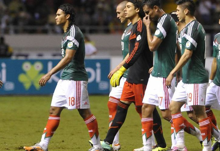 Tras su mal paso en las eliminatorias mundialistas, el Tri se fue al puesto 24 de FIFA. (Archivo Notimex)