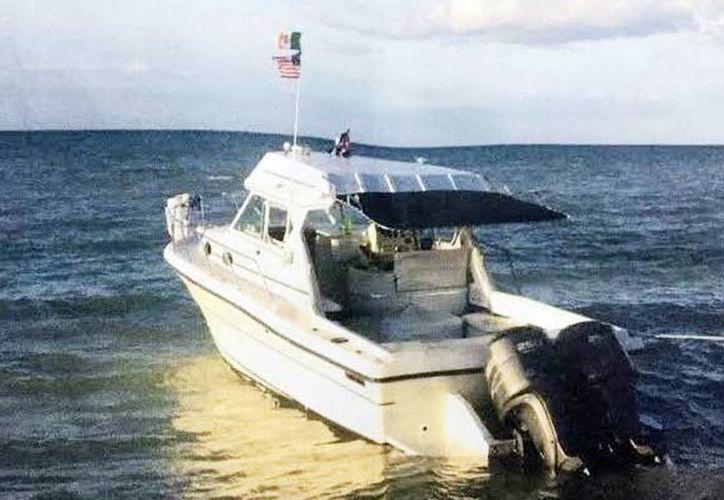 Imagen del yate 'Alux' que desapareció de la marina 'Mimsa',  ubicada a un costado del puente de Yucalpetén que conduce a Chelem. (Milenio Novedades)