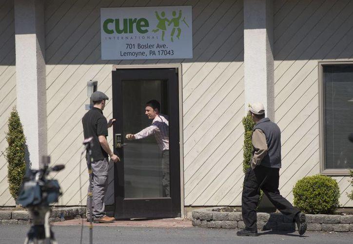 Funcionarios de Cure Internacional dicen que están trabajando en estrecha colaboración con las autoridades para investigar el ataque a los médicos en Afganistán. (Agencias)