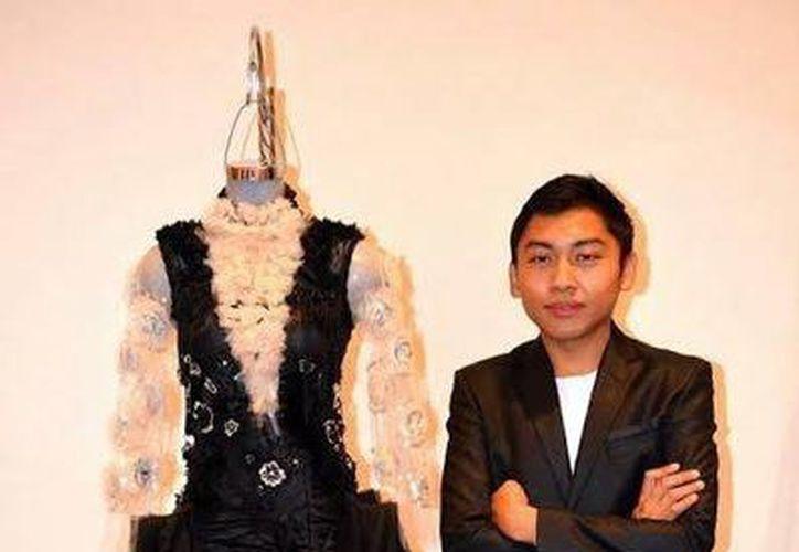 En la imagen, Denis Garrido, uno de los diseñadores que exhibirán su trabajo en el evento de moda. (Milenio Novedades)