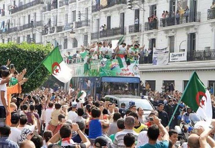 Argelia hizo un Mundial histórico, que fue reconocido con alegría por sus aficionados. (EFE)