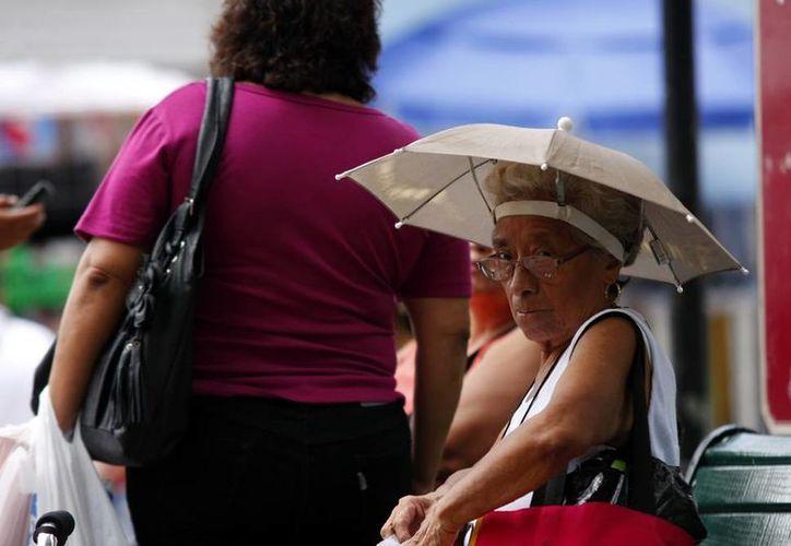 El intenso calor continúa agobiando a los yucatecos. (SIPSE)