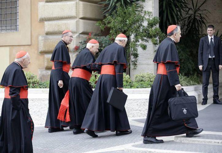 Cardenales que están en el Vaticano escribieron a Benedicto XVI, en Castel Gandolfo. (Agencias/Archivo)