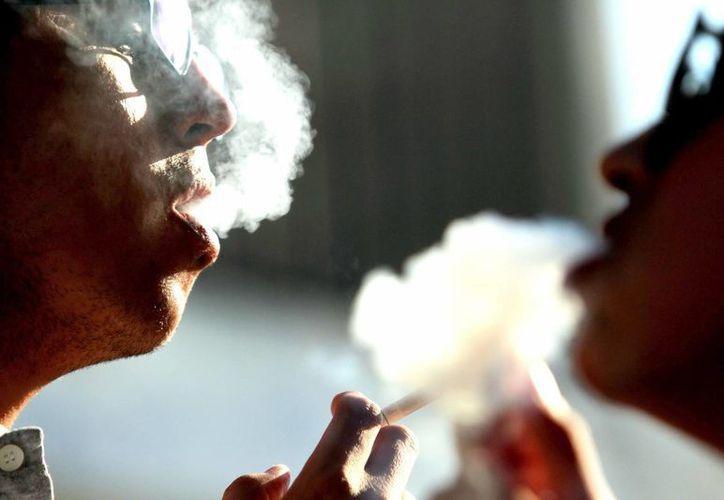 La prevención es básica para evitar caer en las garras del tabaquismo. (Milenio Novedades)