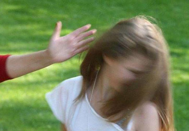 La Dirección del Colegia a donde asistían las niñas agredidas, prácticamente le pidieron a los padres de familia que las llevaran. (actualidad.rt)