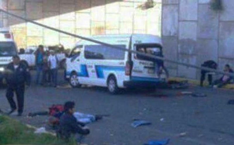 Arrolla autobús a camioneta en Tlaxcala, 2 muertos y 10 heridos
