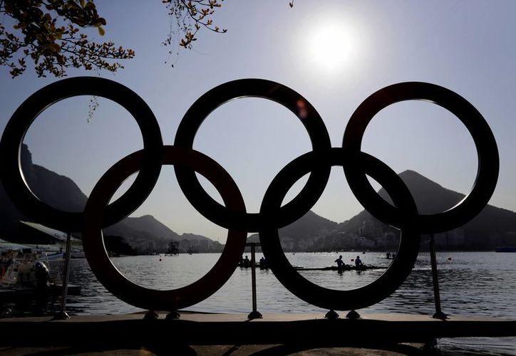 Las aplicaciones de citas en la Villa Olímpica han causado gran revuelo entre los deportistas, siendo Tinder y Grindr los más utilizados.(Themba Hadebe/AP)