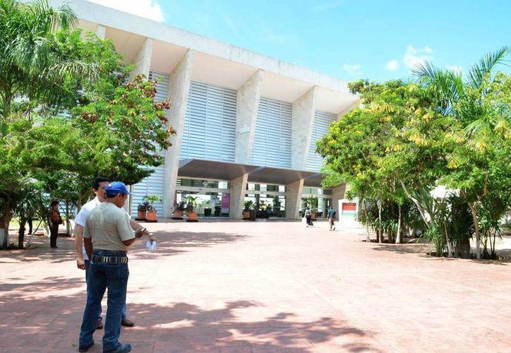 Yucatán tiene especialistas y equipo médico de punta para atender a enfermos de fuera, sólo falta que los empresarios impulsen el turismo de la salud. (SIPSE)