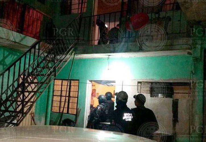 Una persona fue rescatada durante un operativo de la PGR, cuatro de sus secuestradores fueron detenidos. (Foto: Milenio.com)