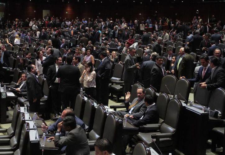 Gracias a la aprobación en la Cámara de Diputados tanto Pemex como la CFE gozarán en lo sucesivo de autonomía técnica, operativa, presupuestal y de gestión. (Notimex)