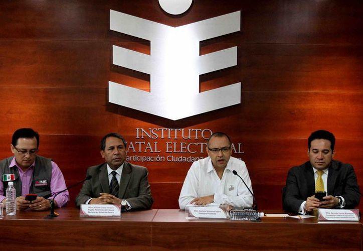 El consejero presidente Gustavo Meixueiro Nájera, de Instituto Estatal Electoral y de Participación Ciudadana (IEEPCO) de Oaxaca dijo que las más de cinco mil casillas de ese estado, abrieron sin que se registraran incidentes mayores. (Notimex).