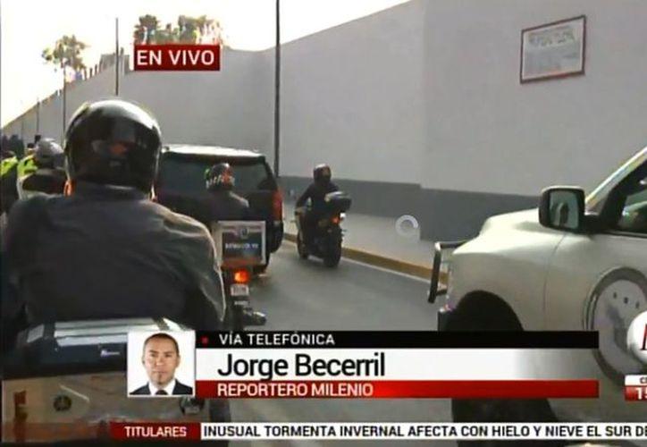 Borge fue trasladado a bordo de una camioneta Suburban blindada en color blanco. (Foto: Milenio)
