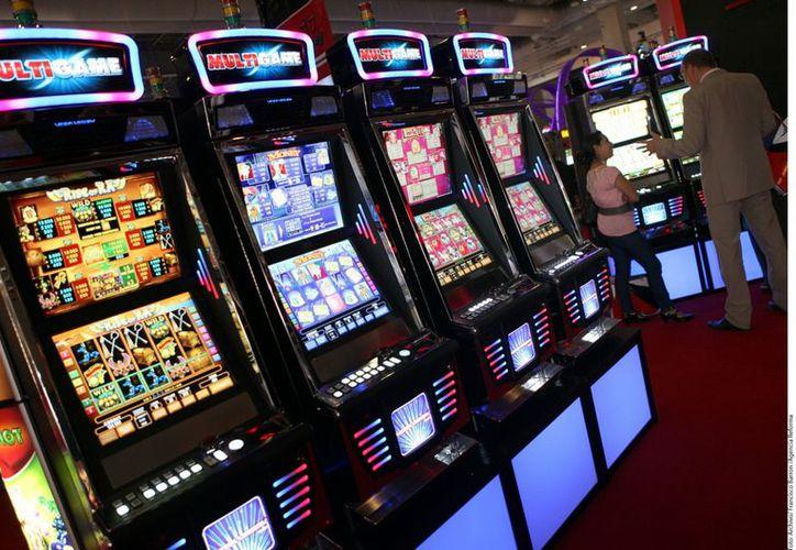 La reforma legalizó las miles de máquinas tragamonedas que ya existen en casinos. (Archivo/Agencia Reforma)
