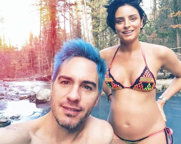 Una embarazada en bikini — Aislinn Derbez