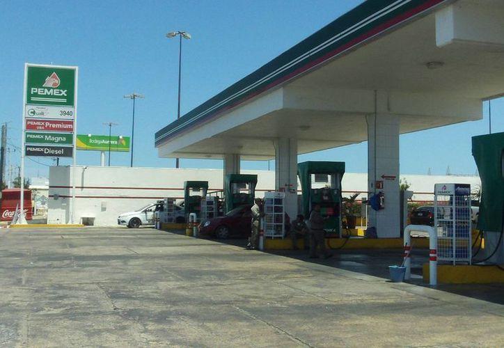 De nada sirvieron los rondines de la policía estatal para evitar el robo de la gasolinera. (Manuel Pool/SIPSE)