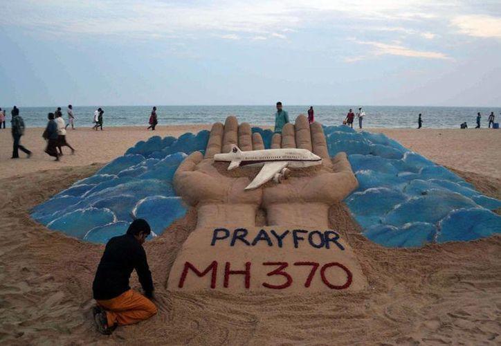 Si el avión hubiese caído al océano, ya se habrían localizado sus restos flotando, lo que no ha ocurrido hasta el momento. (Agencias)