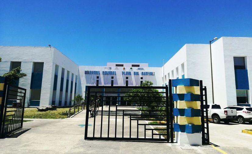 La mujer fue atendida en el hospital general de Playa del Carmen. (Octavio Martínez/SIPSE)