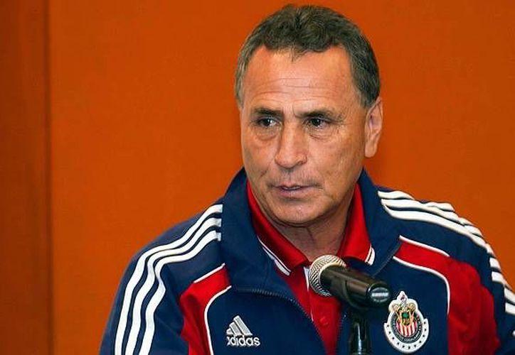 José Luis Real dirigió a las Chivas como entrenador de 2009 a 2011. (mediotiempo.com)
